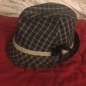 Fedora - perfect condition. Size M